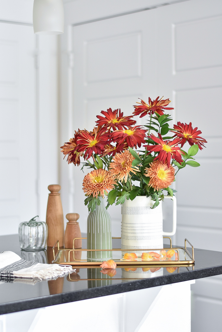 4 Simple Ways To Style Fall Flowers Zdesign At Home