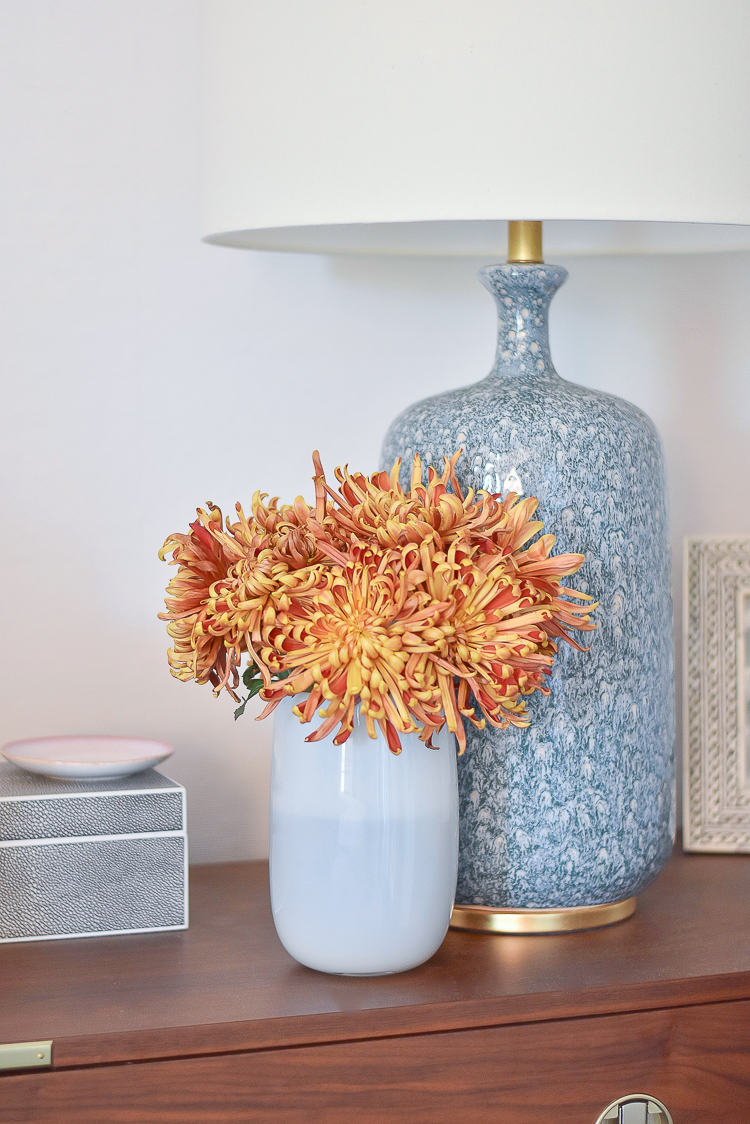 How to style fall flowers - 4 easy ways - spider mums