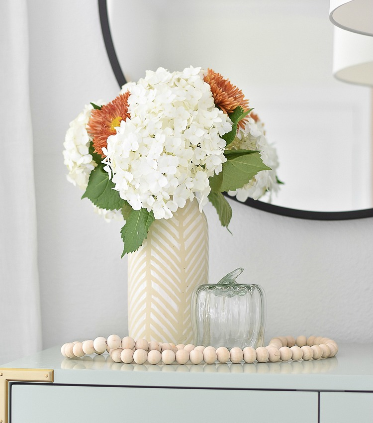 Simple, Modern Fall Decorating Ideas