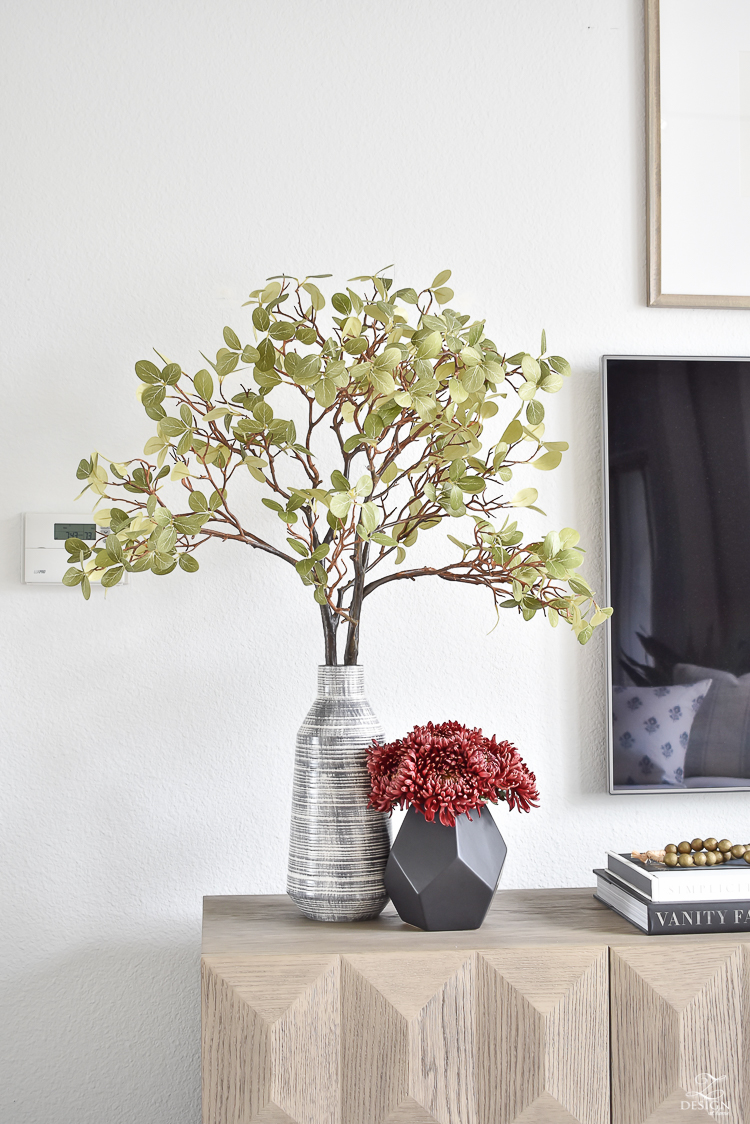 Simple, modern fall decorating ideas - fall branches, black and white vase, black geometric vase