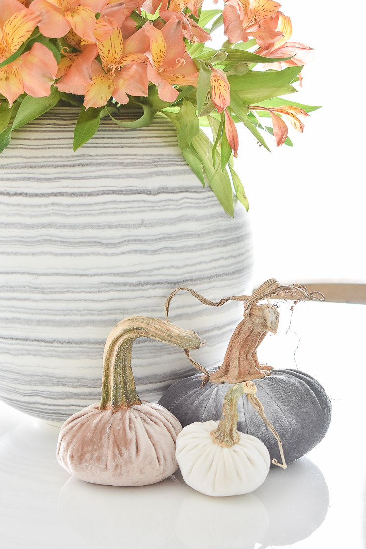 Simple modern fall decorating ideas - velvet pumpkins