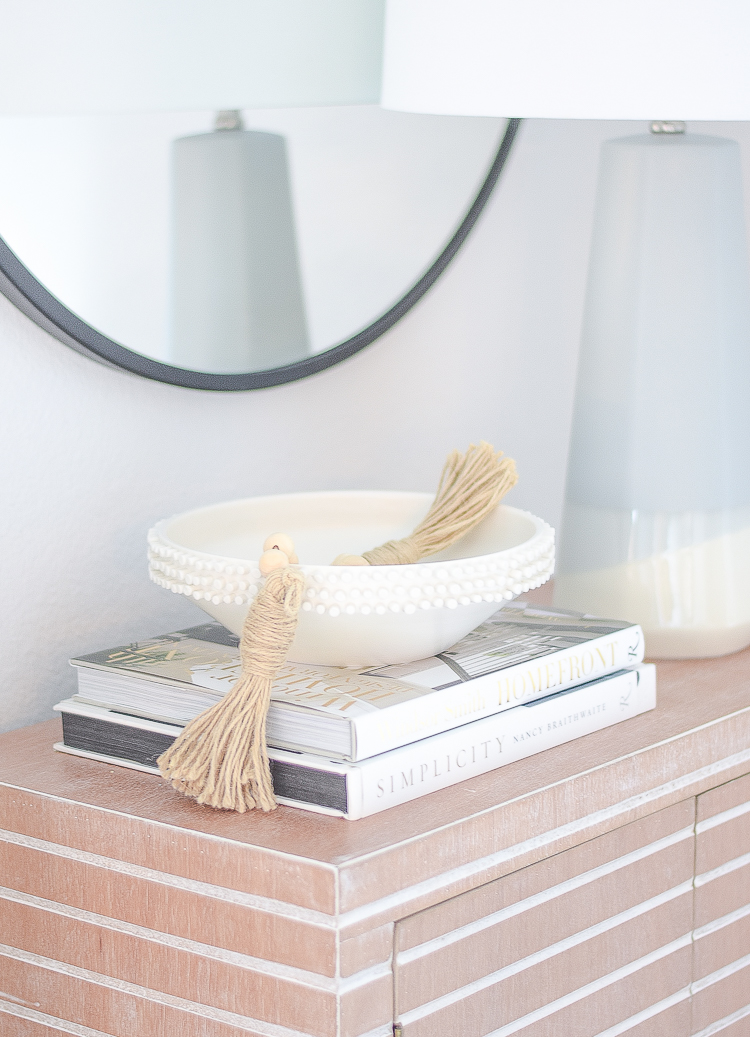 Creating a cozy winter home with the perfect winter white accessories