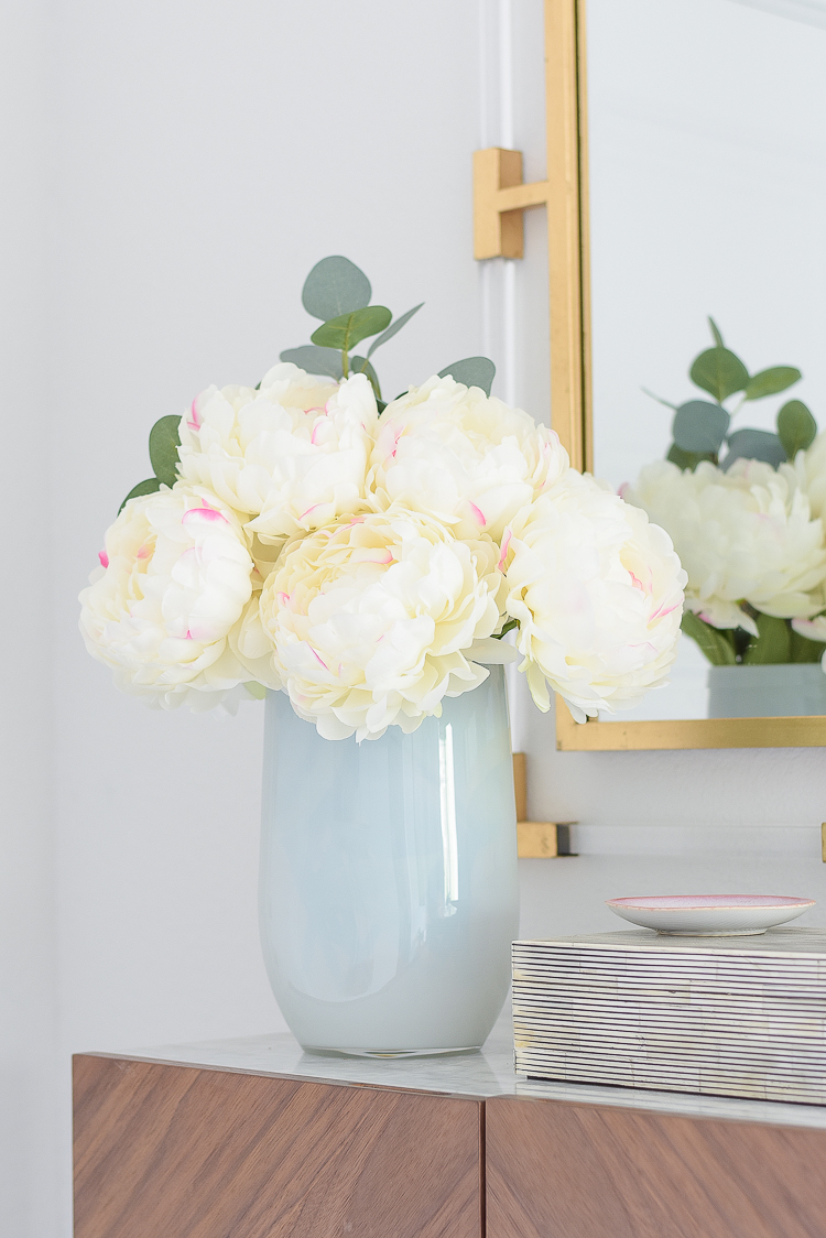 ZDesign At Home Spring Entry Way Tour - White peony stems