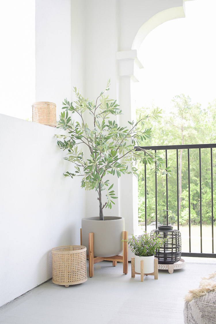 6 Tips For Creating A Relaxing Outdoor Space This Summer - modern boho outdoor planter pots