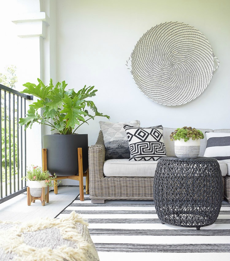 6 Tips For Creating A Relaxing Outdoor Space This Summer + A Patio Tour