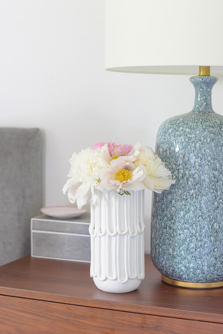Zdesign At Home - Boho chic summer bedroom tour - pink and white peonies in white textured vase