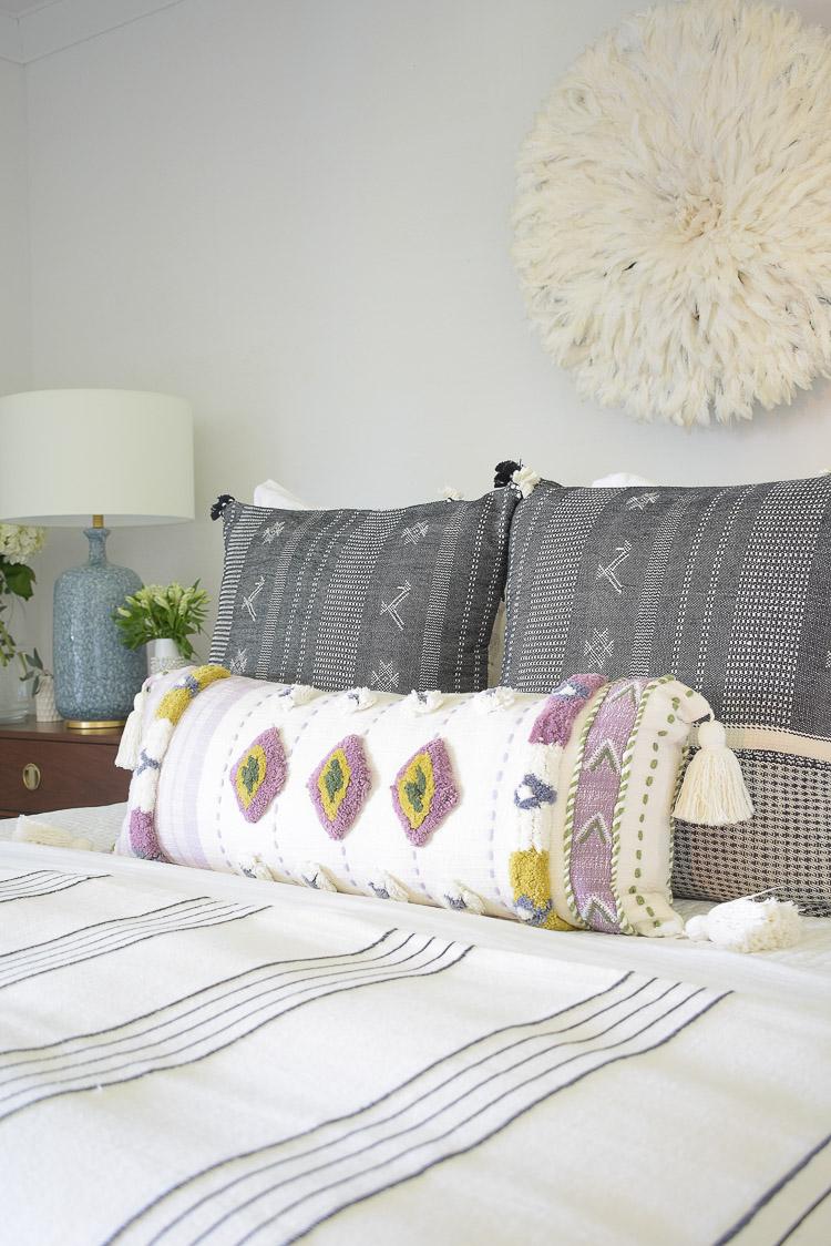 Zdesign At Home - Boho chic summer bedroom tour, tassel xl lumbar pillow