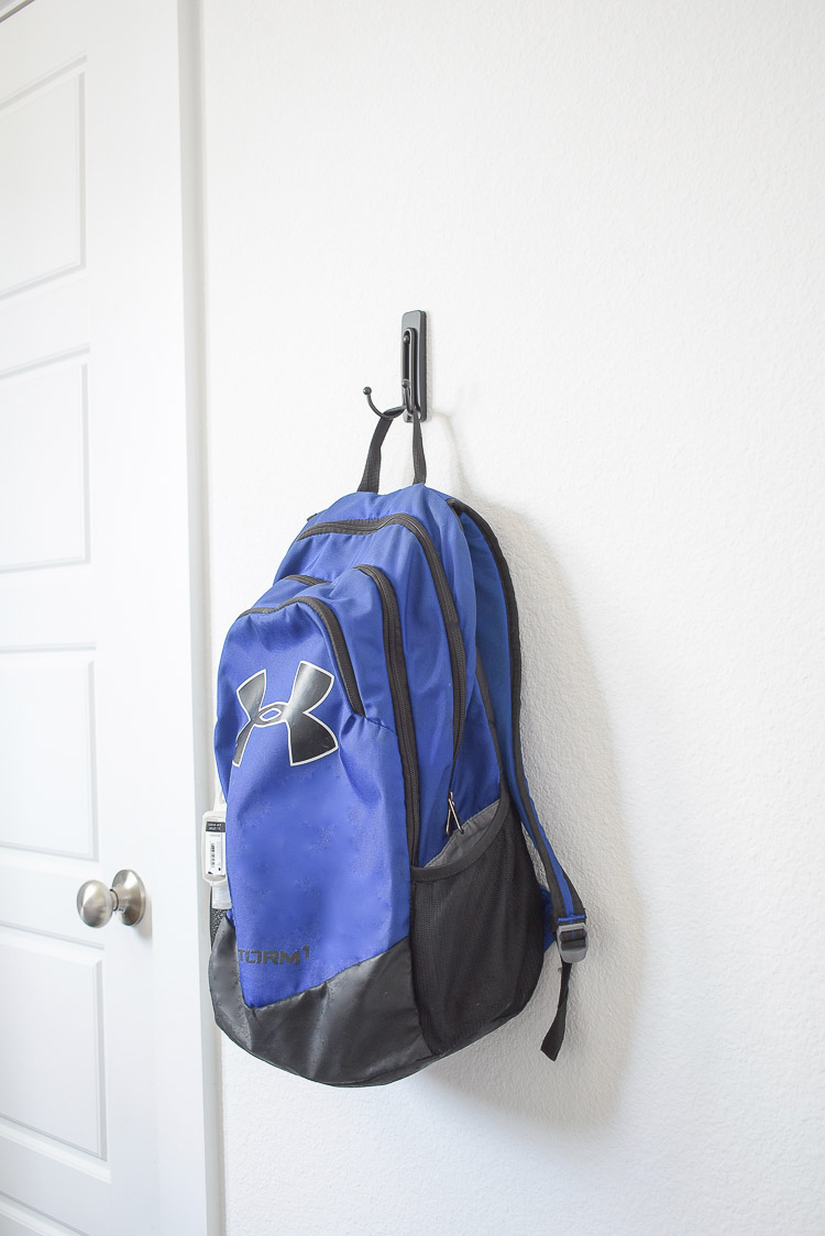 Stylish Home Decor & Organizing Ideas for Back To School - black couple hook command hook