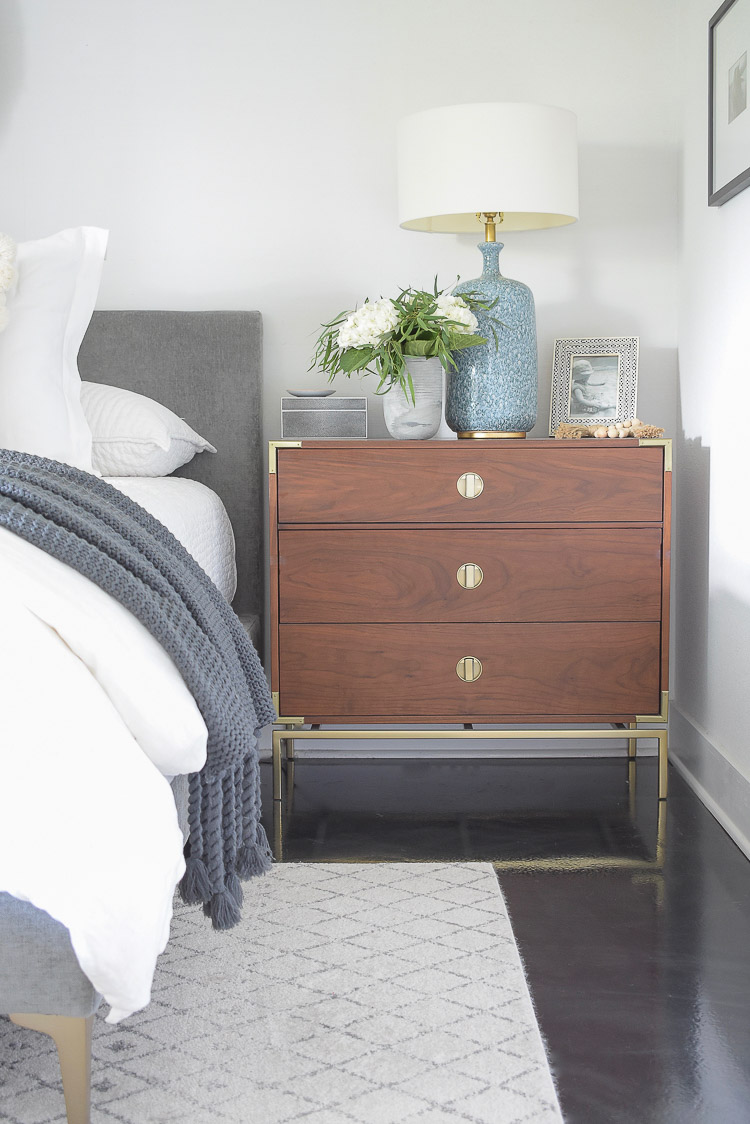 Fall Bedroom Tour - white fall flowers on nightstand