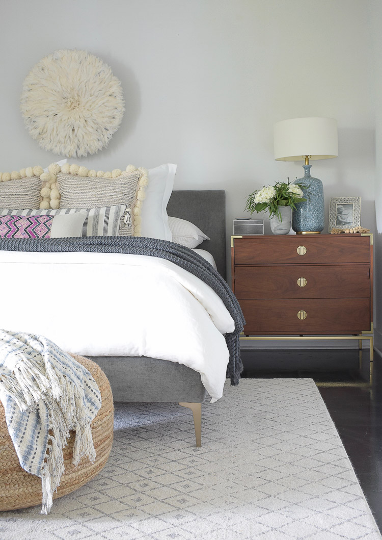 Fall bedroom Tour - fall touches in the bedroom