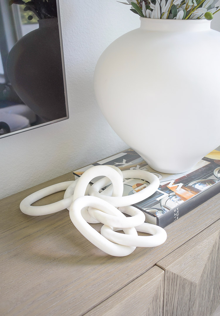 ZDesign At Home Fall Home Tour - white marble chain