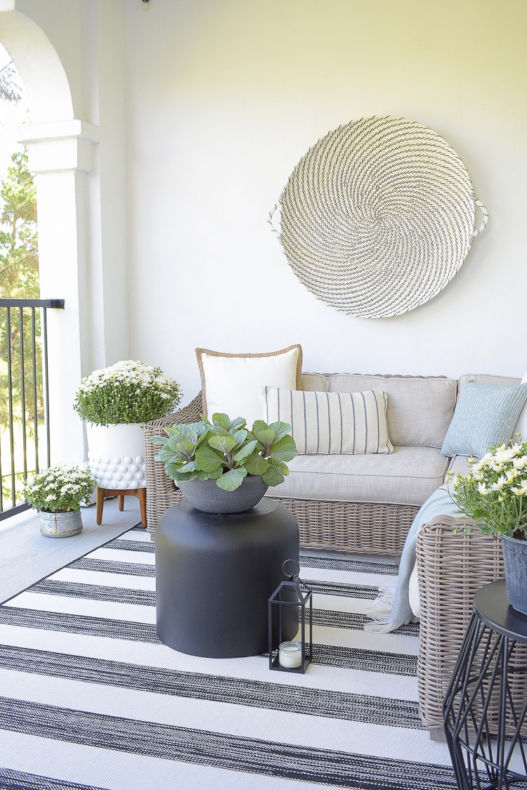 A Cozy Modern Fall Patio Tour