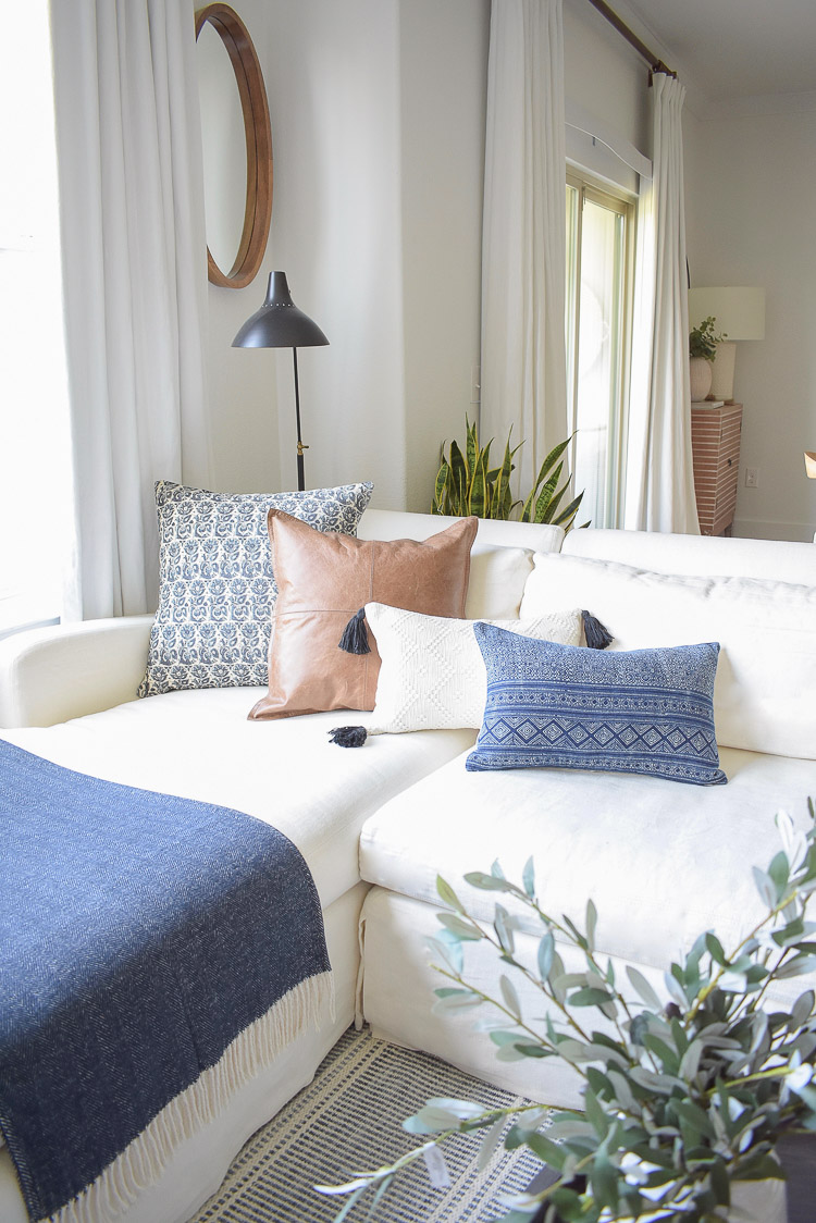 Fall Transition Home Tour - Fall pillows