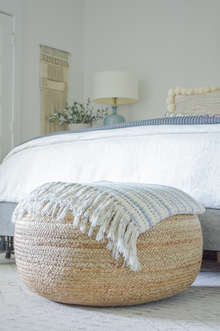 Fall bedroom tour - round jute pouf
