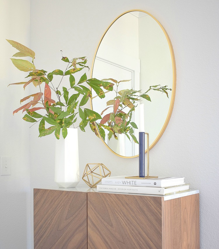 Chic, Modern Styled Fall Entry