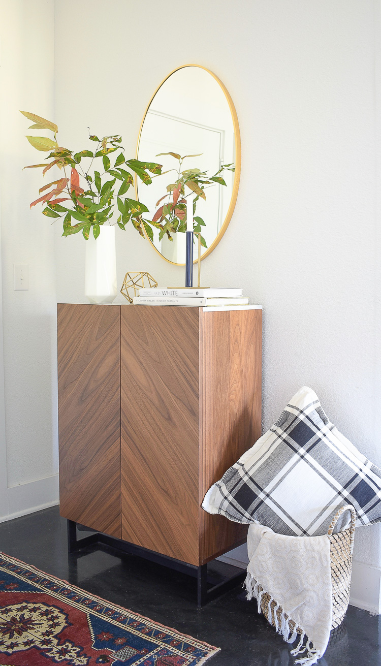 chic modern fall styled entry