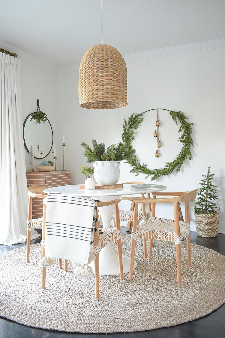 Christmas Dining Room Tour + How to Create a holiday circle wreath