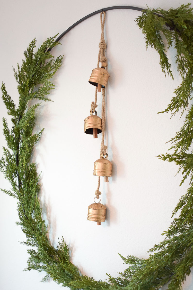 How to make a circle wreath - string of gold bells for christmastime