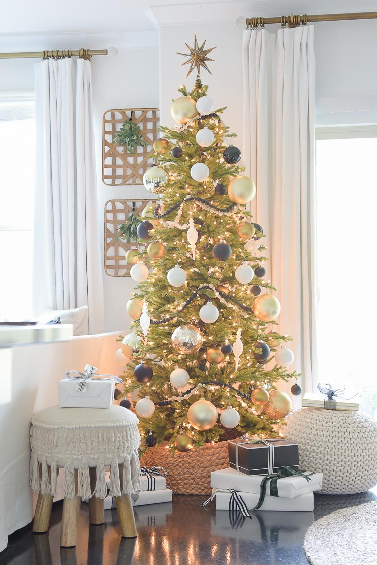 Black, Whie & Gold Modern Living Room Tour - Christmas Tree