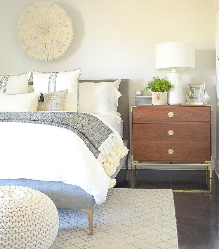 Spring Bedroom Tour + Tips for Seasonal Decorating