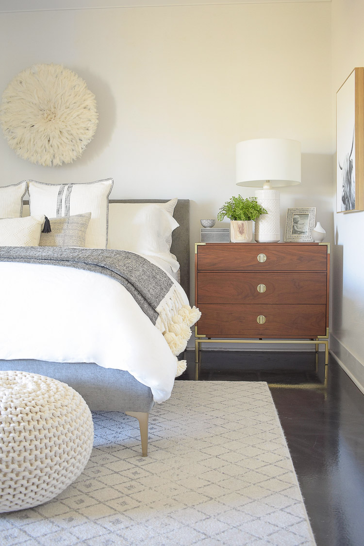 black and white spring bedroom tour - gray and off white geometric rug