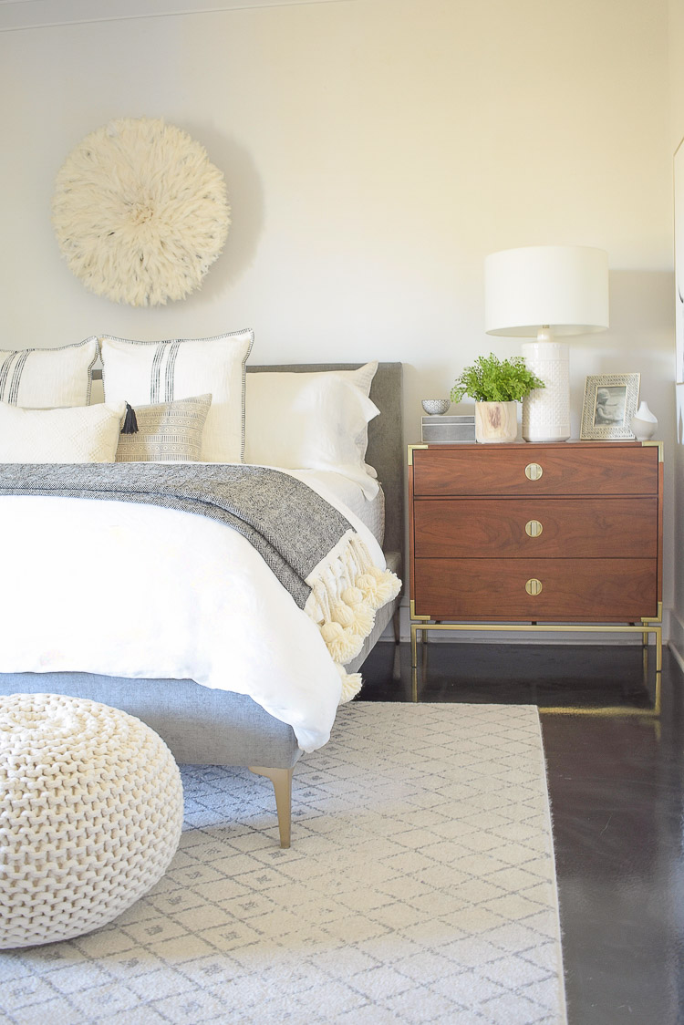 Spring bedroom tour - neutral bedroom with white linens and spring touches