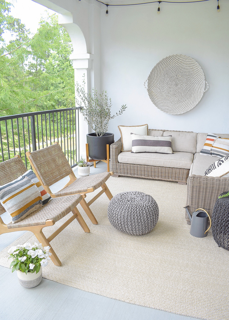 Modern outdoor patio refresh for Stay At Home this summer