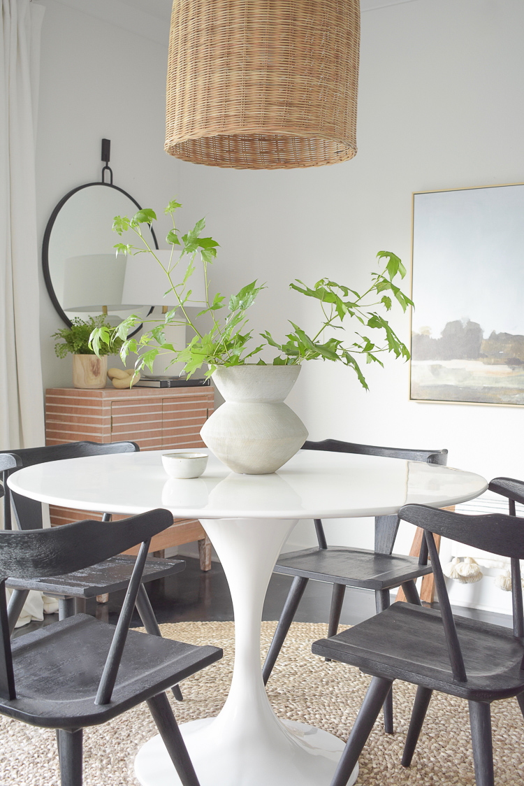 Modern minimal centerpiece in modern boho dining room - airy summer home tour
