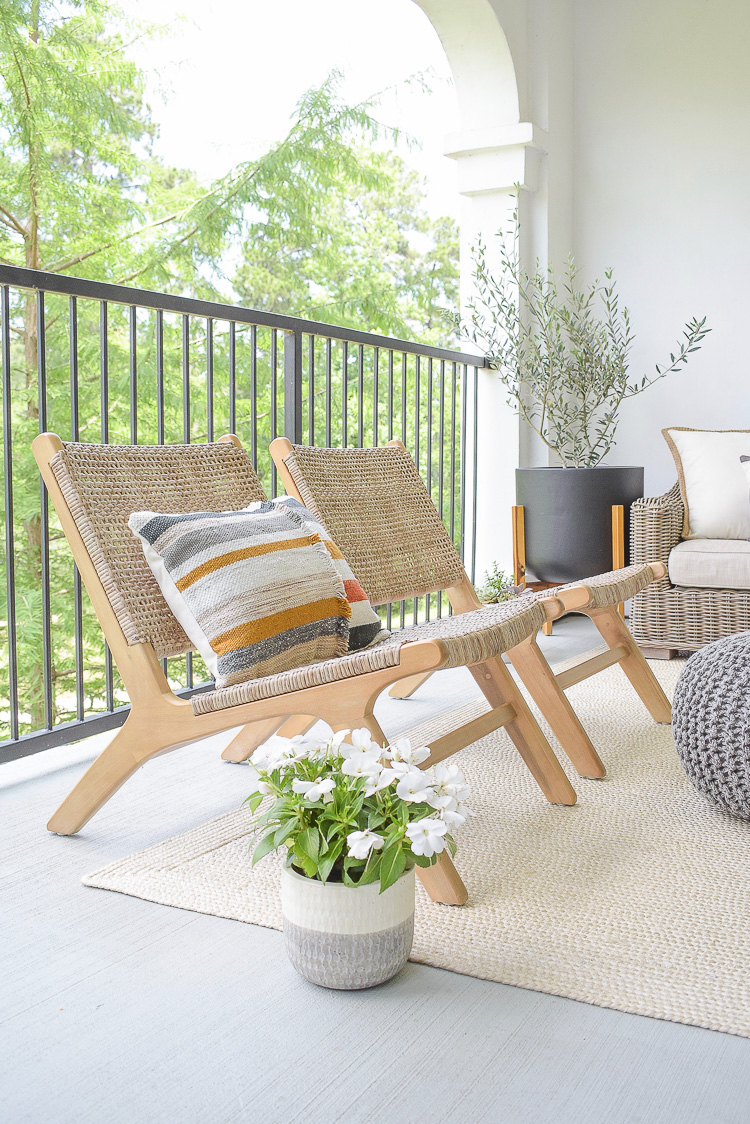 Tips for a Patio Refresh - modern outdoor seating