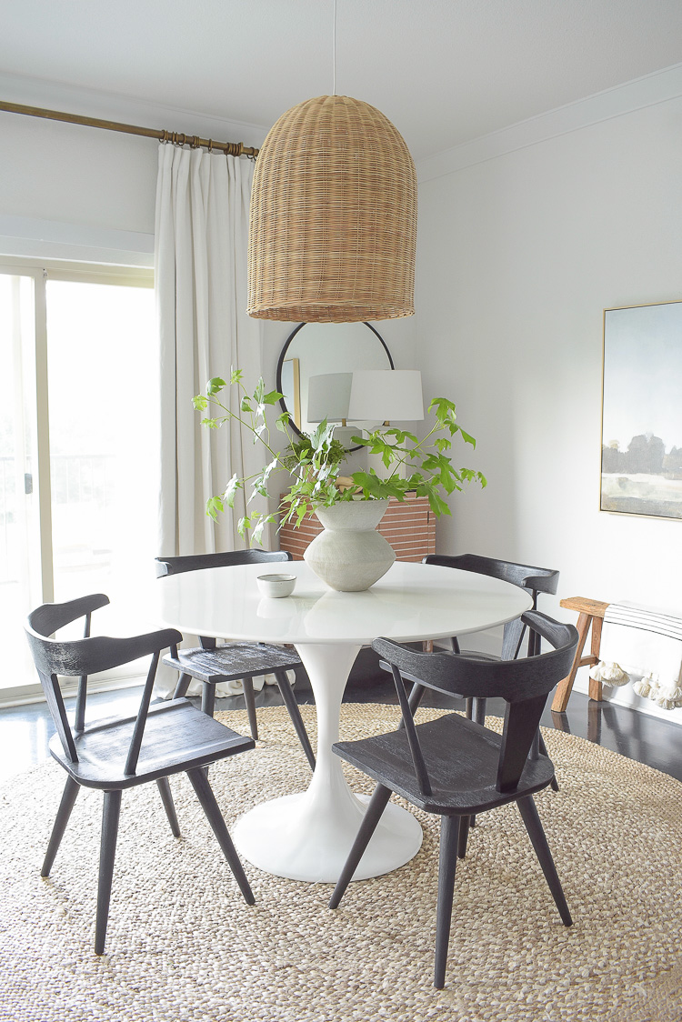 Black dining chairs in modern boho dining space + summer home tour