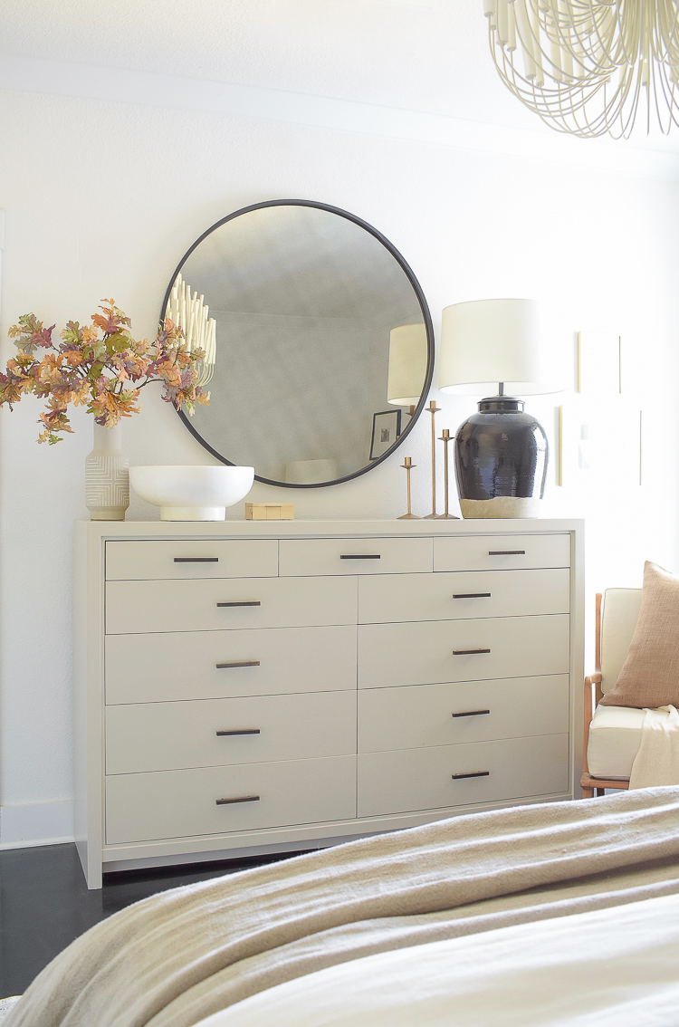 How to decorate your bedroom dresser with fall decor
