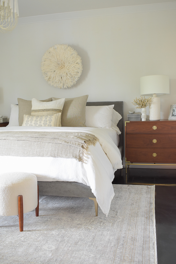 beautiful fall bedroom tour - boho chic transitional neutral bedroom tour