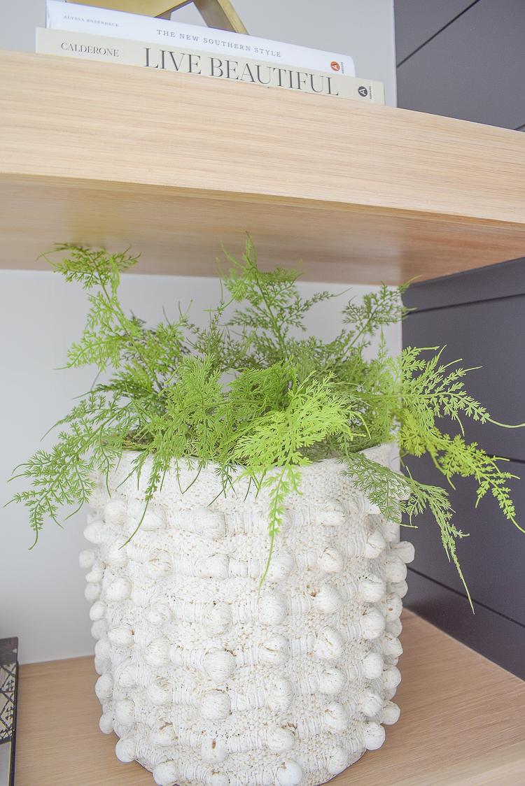 nubby textured indoor/outdoor pot in cream - concrete
