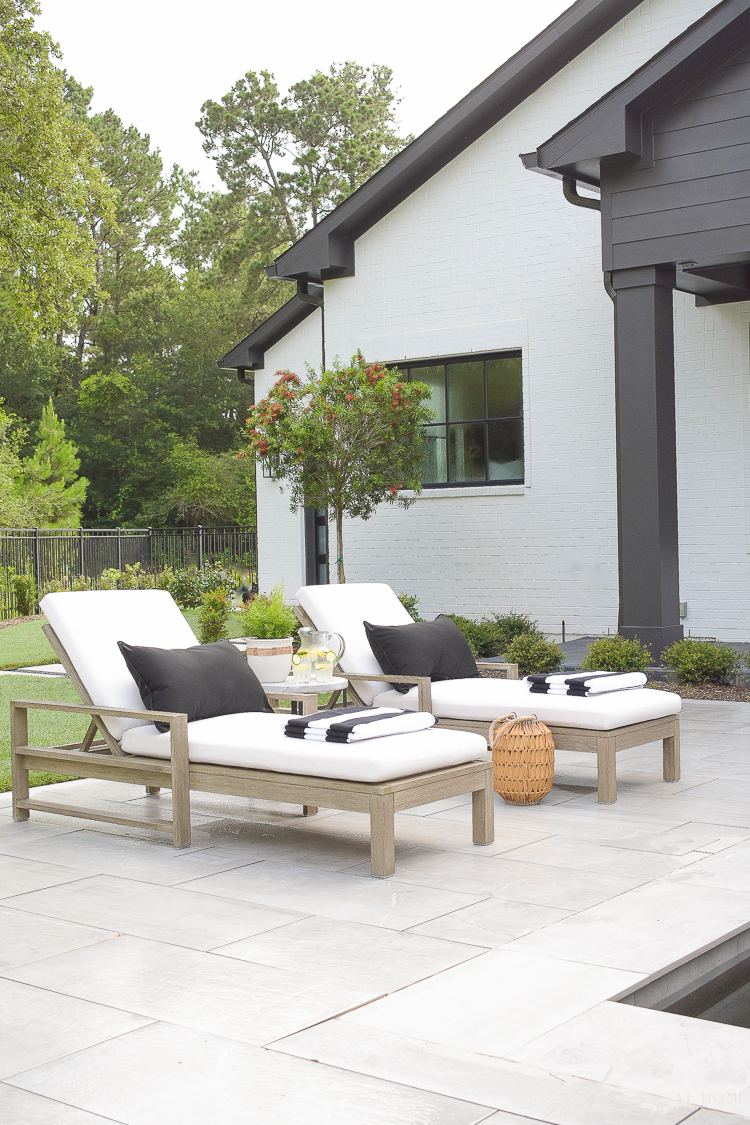 Walmart outdoor decor in black and white - summer style on the patio