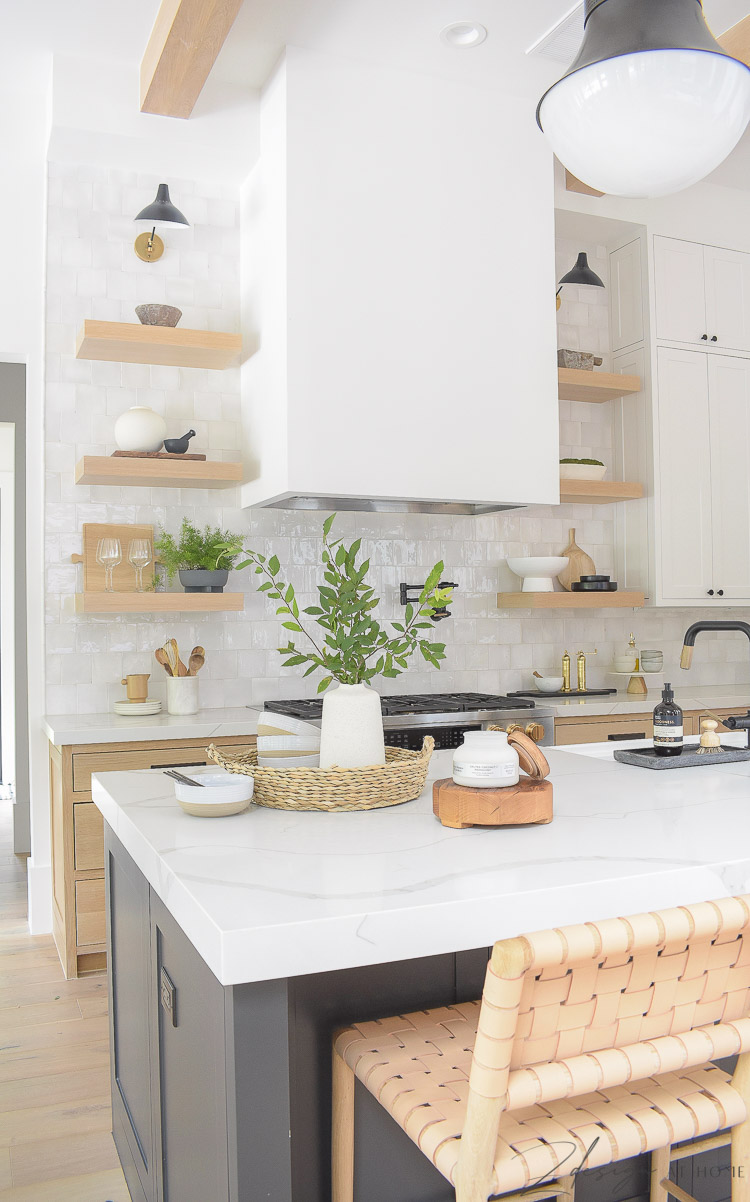 summer kitchen style and decor - how to style your kitchen island