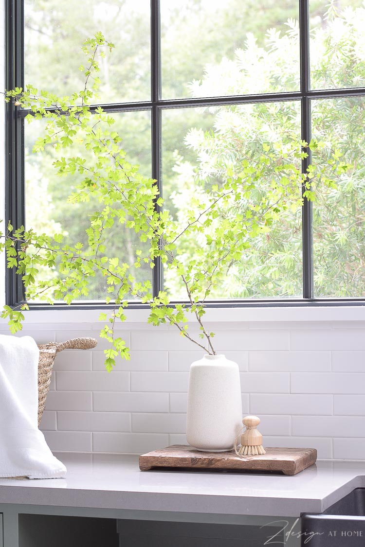 speckled vase in laundry room